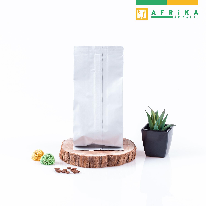 mat-beyaz-aluminyum-yandan-koruklu-torba-2