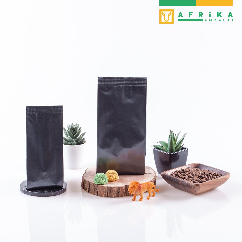 mat-siyah-aluminyum-yandan-koruklu-torba